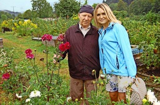 Emil Staiger, Zeitzeuge der sowjetischen Atomtests, mit seiner Enkelin Lilly
