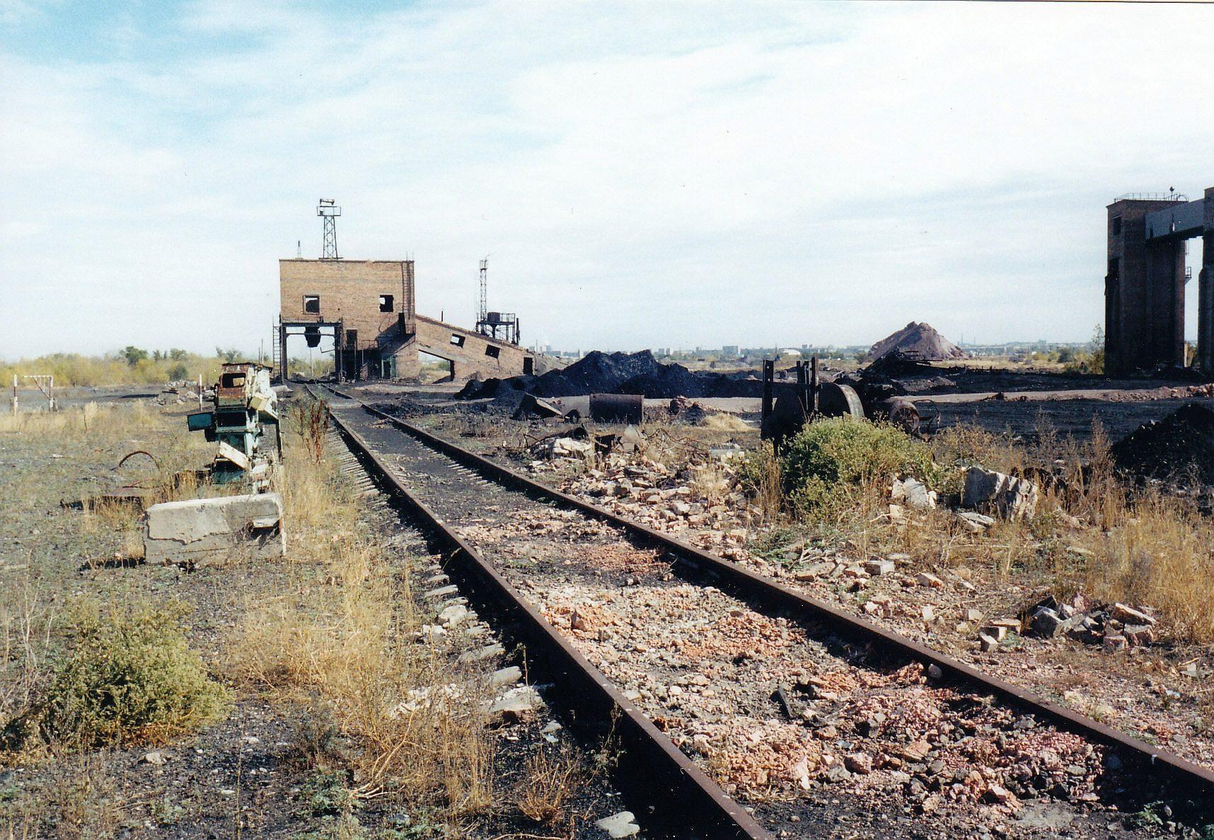 Verlassene Industrieanlage in der Kasachischen Steppe